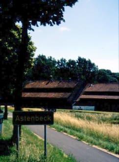 Ortsschild ASTENBECK - Brennerei Astenbeck