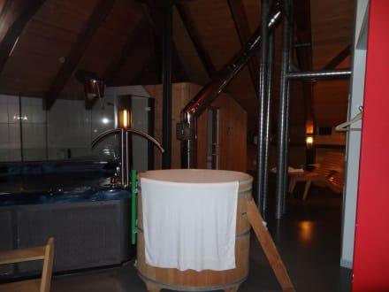whirlpool zuber zum abk hlen bild romantik hotel b ren d rrenroth in d rrenroth schweizer. Black Bedroom Furniture Sets. Home Design Ideas