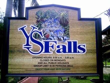 Y.S.Falls nähe Mandevolle - YS Falls / Y.S. Wasserfälle