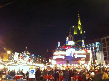 weihnachten am roemer bild weihnachtsmarkt frankfurt am. Black Bedroom Furniture Sets. Home Design Ideas