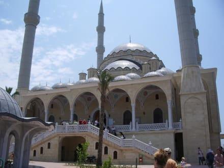 Die neue Mosche in Manavgat - Külliye Moschee