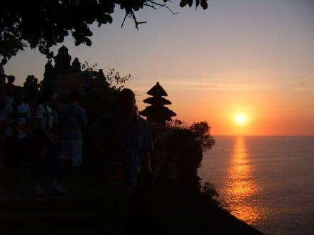 Sonnenuntergang beim Tempel Uluwatu - Uluwatu Tempel