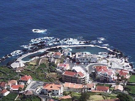 Lavabecken in Porto Moniz - Meerwasserschwimmbecken