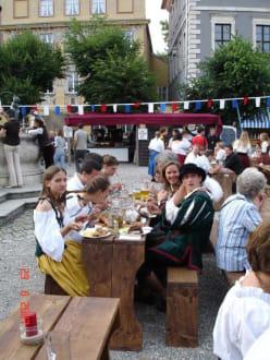 Biergartenscene Burgfest - Burgfest