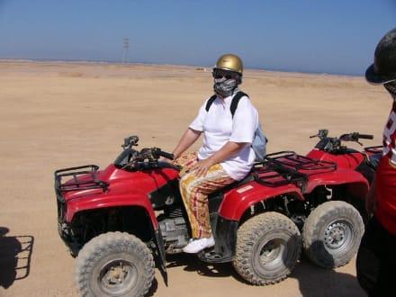 Frau auf Quad - Quad Tour Hurghada