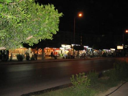 Die Einkaufstraße in Kilometerlänge - Einkaufen & Shopping