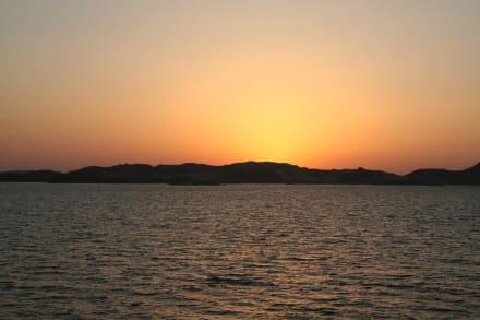 Sonnenaufgang auf dem Nassersee - Kreuzfahrt auf dem Nassersee