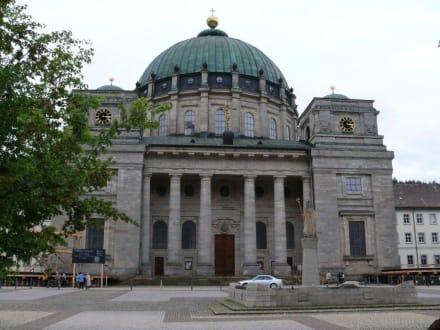 Der Dom von Außen - Dom von St. Blasien
