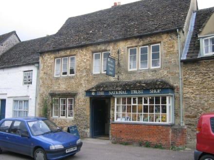 Lacock Village - Lacock  Village & Abbey