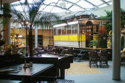 Dresden 1900 mit der ältesten Dresdner Straßenbahn - DRESDEN 1900 Museumsgastronomie