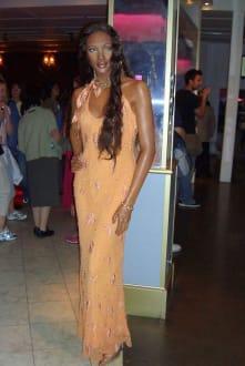 Naomi in Wachs hot hot hot - Madame Tussauds