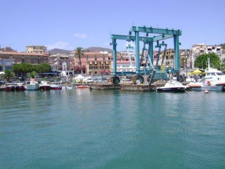 Strand/Küste/Hafen - Hafen Marina Di Camerota