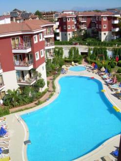 Poolanlage - Hotel Hanay Suite