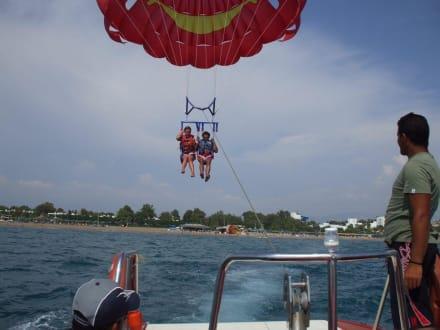 Sanfte Landung - Parasailing