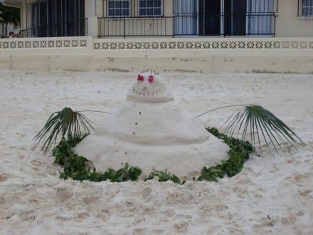 Schneemann am Strand - Seven Mile Beach