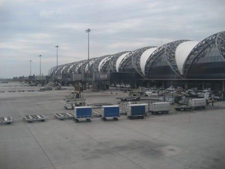 Flughafen - Flughafen Bangkok-Suvarnabhumi (BKK)