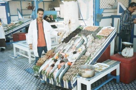 Frischer Fisch - Fischmarkt im Hafen