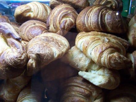 Croissants - Essen & Trinken
