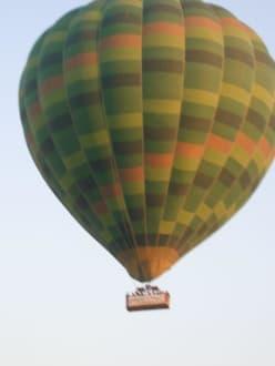 ...andere fliegen schon.. - Ballonfahrt Luxor