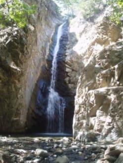 Myllomeri Wasserfall - Troodos Gebirge