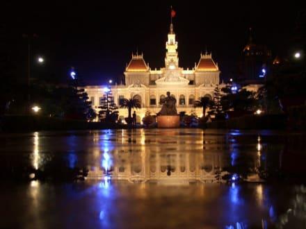 """"""" Hotel de Ville """" in Saigon - Rathaus"""