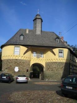 Der Eingang. - Burg Runkel