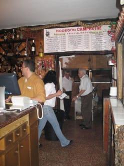 Blick in Richtung Küche und Theke - Bodegon Campestre