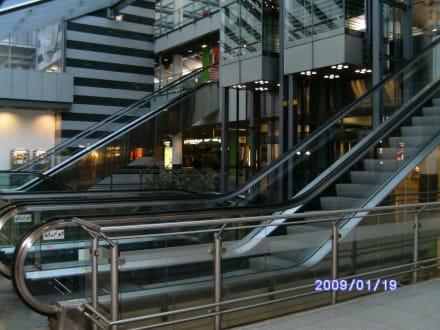 Rolltreppe die 2. - Flughafen Dortmund (DTM)