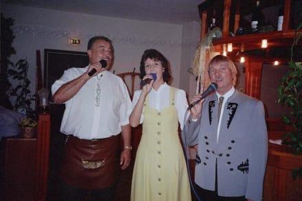 Beim Rennsteigwirt zu Gast - Beim Singenden Rennsteigwirt