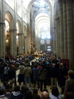 Lleno a tope para la misa de pascua - Catedral de Santiago de Compostela