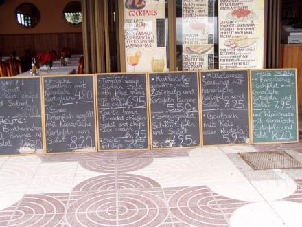 Speisenkarten am Strand von Playa del Ingeles - Shoppingcenter Anexo II
