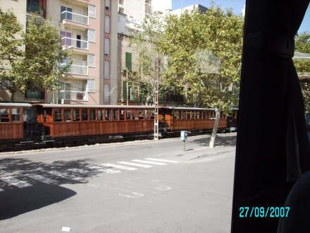 Sollerbahn ab Palma - Zug Tren de Sóller 'Roter Blitz'