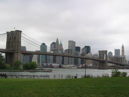 Hammer! - Brooklyn Bridge