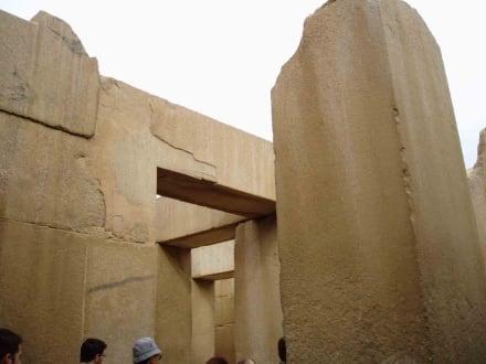 Tempelanlage vorm Sphinx - Sphinx von Gizeh