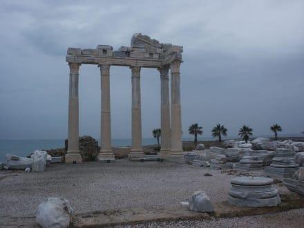 Ruine - Apollon Tempel