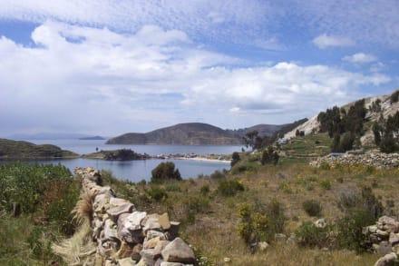 Isla del Sol en el lago Titicaca - Isla del Sol