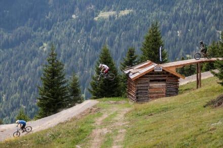 Bikepark SFL - Sprung über Hütte - Bikepark Serfaus-Fiss-Ladis