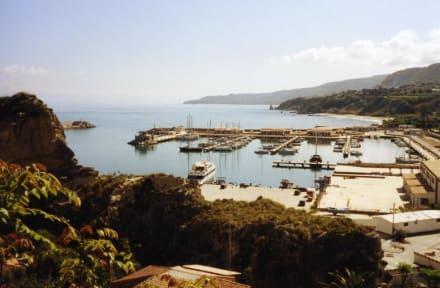 Der Hafen von Tropea - Hafen Tropea