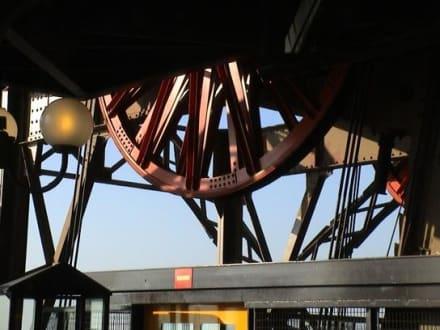Umlenkrolle vom Fahrstuhl - Eiffelturm