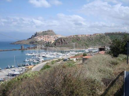 Marina und Burg in Castelsardo - Burg Castelsardo