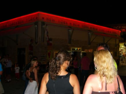 New York in Chersonissos - New York Beach Club Hersonissos Crete