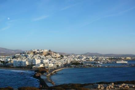 Panorama auf Naxos Stadt - Tempel des Apollonas - Portara Naxos