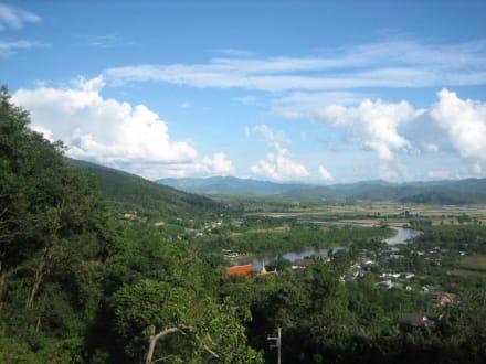 Aussicht aufs Tal vom Berg - Thaton
