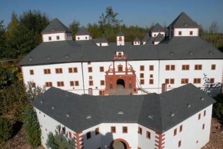 Schloß oder Burg? - Miniaturwelt Lichtenstein