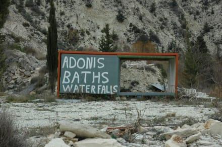 Hinweisschild zum Bad - Adonis Bath