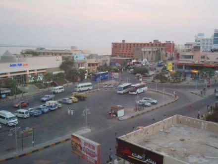 Blick aus dem Fenster des Cleopatra Centers - Cleopatra Bazar Abu Ashara Mall