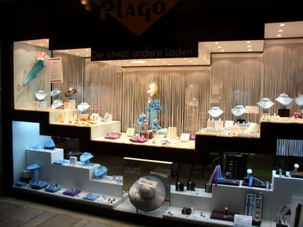 Pla-Go Schmuckauslage im Fenster - Juwelier Pla-Go (existiert nicht mehr)