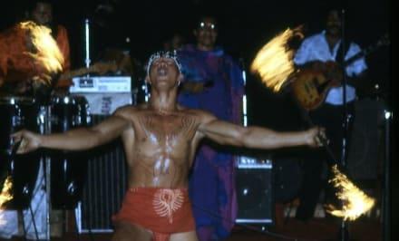 Der Feuertänzer von Samoa - Fackel-Akrobatik