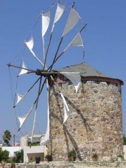Ein richtiges Postkartemotiv - Segelwindmühle