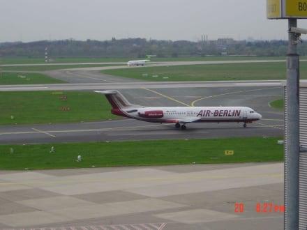 Air Berlin Fokker 100 - Flughafen Düsseldorf (DUS)
